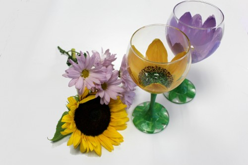 painted-wine-glasses-with-flowers