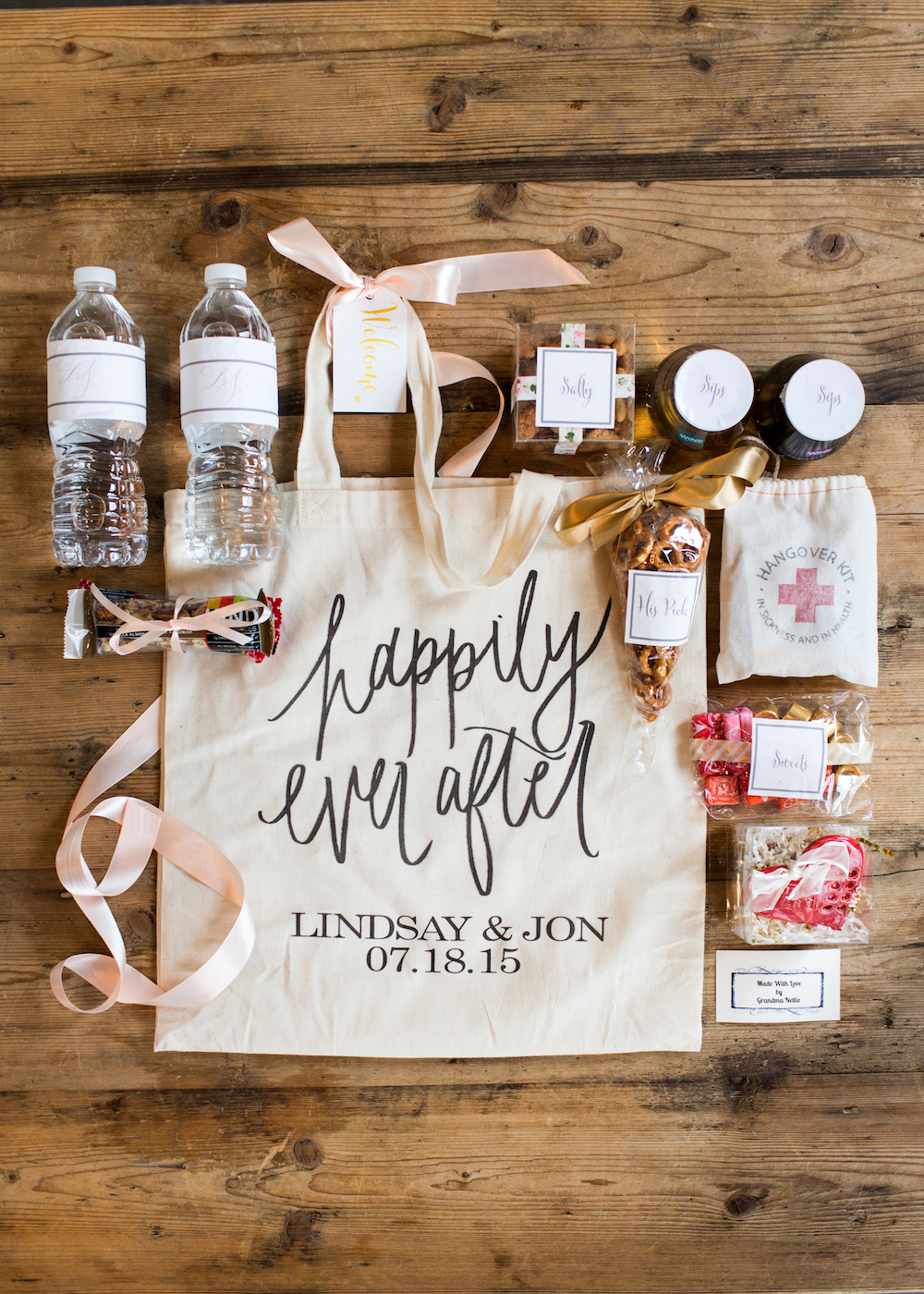 Wedding wednesday what we put in our wedding welcome bags the jo6a9757a copy junglespirit Image collections