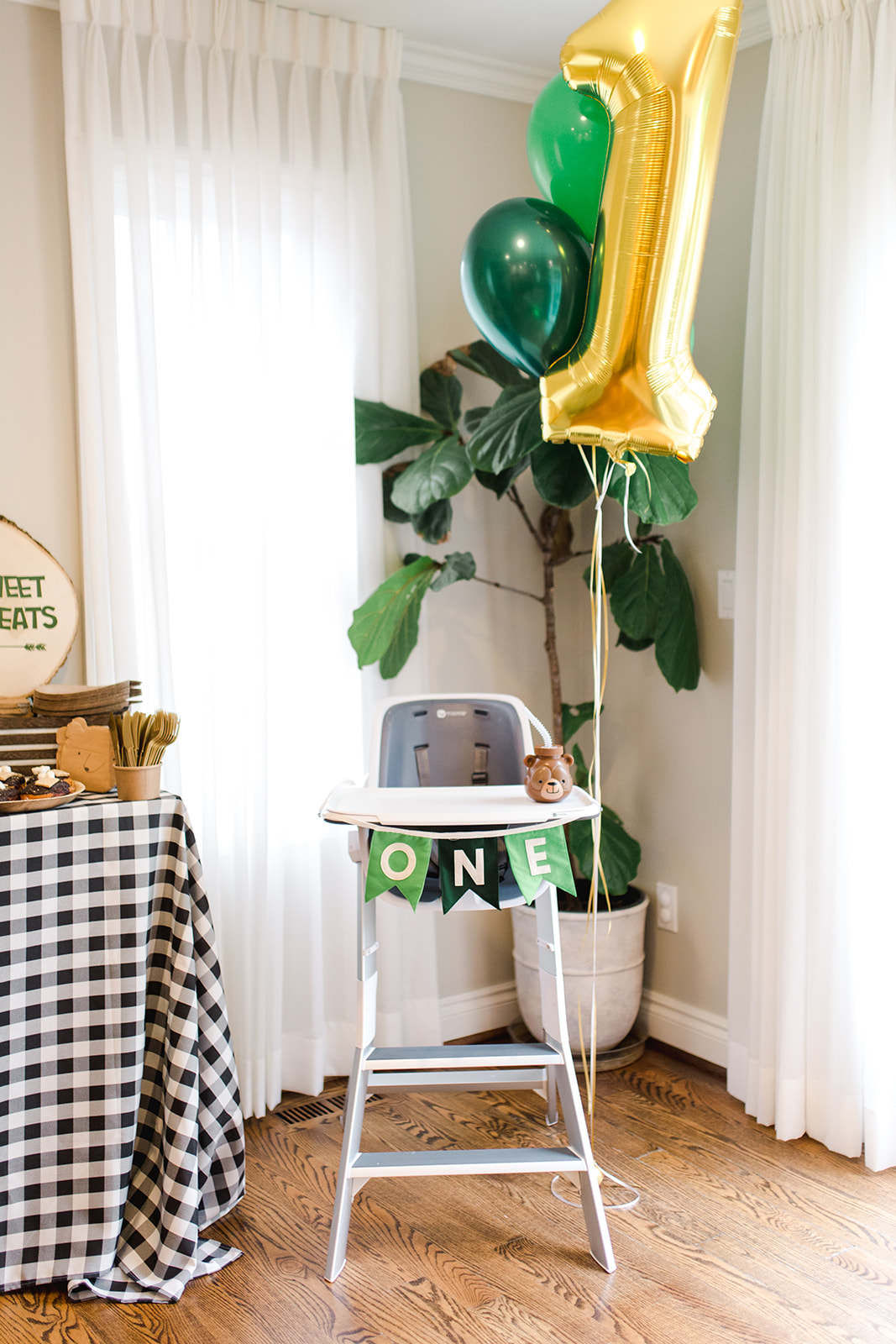 Green Highchair Banner Cake Smash