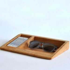 Bushakan Maple iPhone Dock