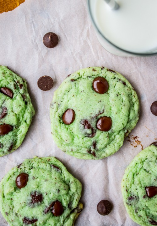 Yum! These mint chocolate chip cookies look totally delicious! What ...