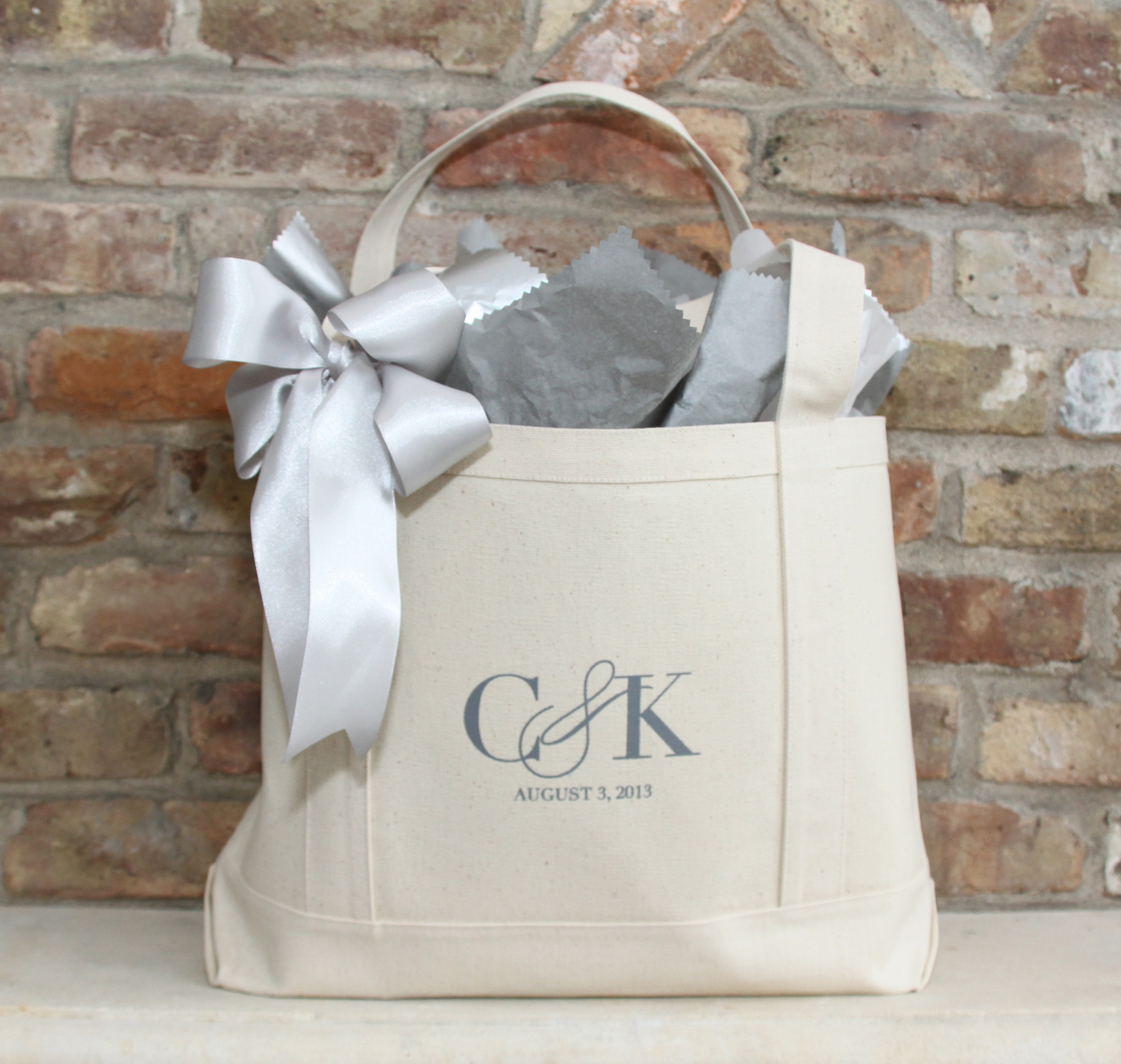 Wedding Gift Bag Etiquette : Bridal Shower Gift Idea // Custom Tote Bags